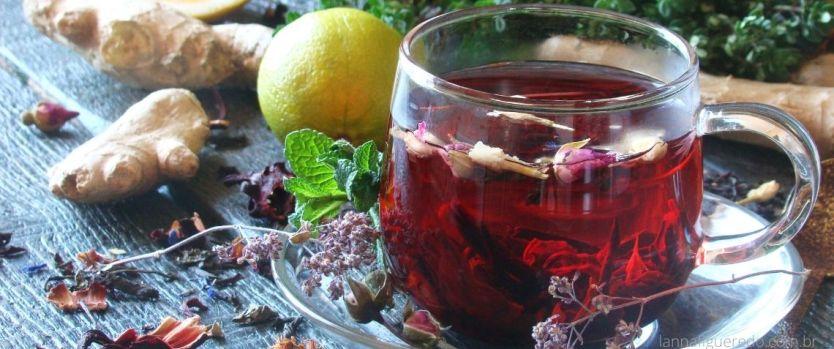 chá de gengibre com hibisco