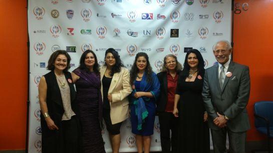 la escritora Pilar Velez y miembros de la Fundacion Latinoamericanos Unidos