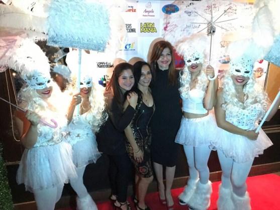 Rochy Cantillo, Nubia Neme, Marybel Torres y las chicas de blanco
