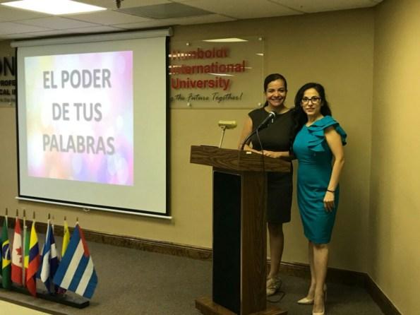 La escritora Susana Mohel y la periodista Drelly Ríos