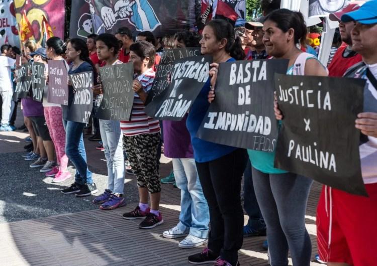 Organizaciones sociales acompañaron el inicio del juicio por el crimen de Paulina Lebbos