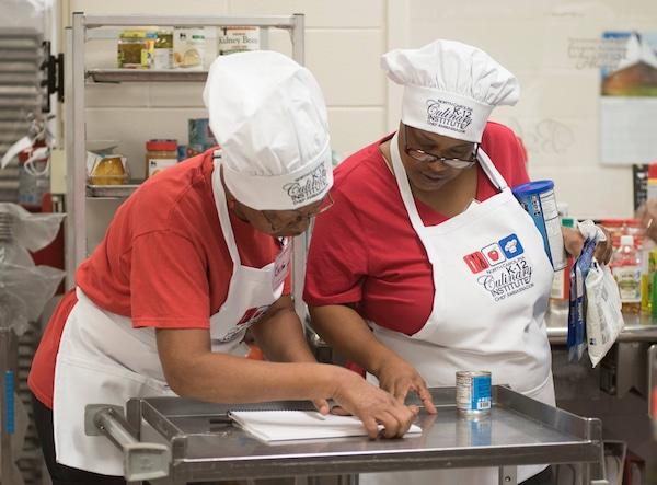 Familias ya pueden pedir almuerzos escolares gratuitos o a bajo costo
