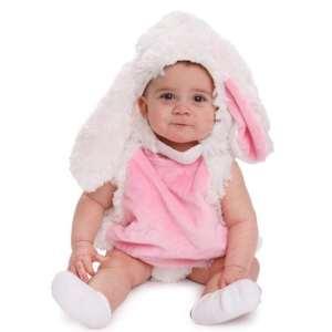 Un bebé disfrazado de conejo