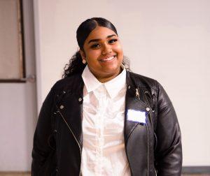 Circle de Luz: Cinco latinas reciben beca para sus estudios universitarios
