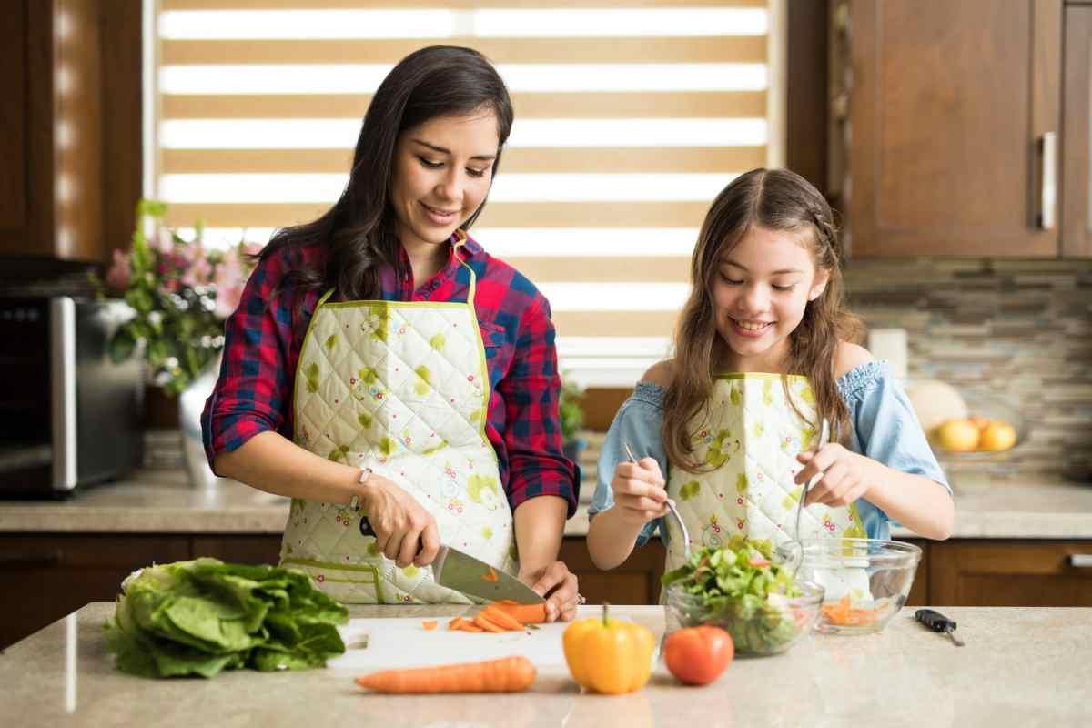 Cuatro pasos para evitar la intoxicación por alimentos en su hogar