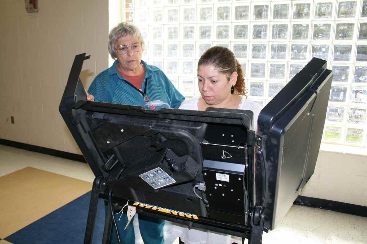 Sube un 50 % el número de votantes latinos inscritos en Carolina del Norte