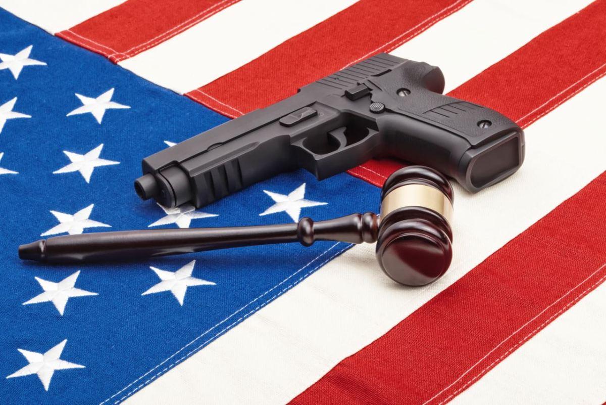 Ante la falta de leyes gobernador firma orden para prevenir tiroteos