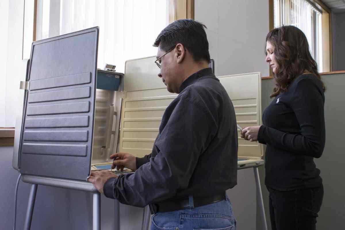 Conozca los condados donde más votantes latinos inscritos salen a sufragar