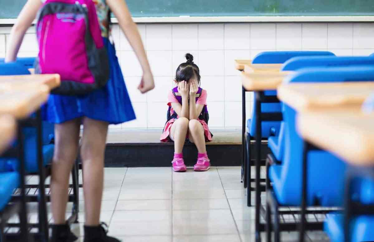 """¿Qué es el """"bullying"""" silencioso o indirecto?"""