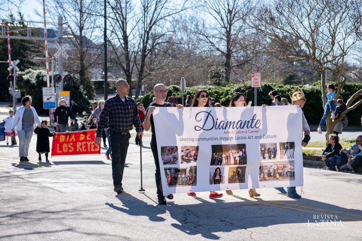 Invitan al desfile anual del Día de Reyes en Cary