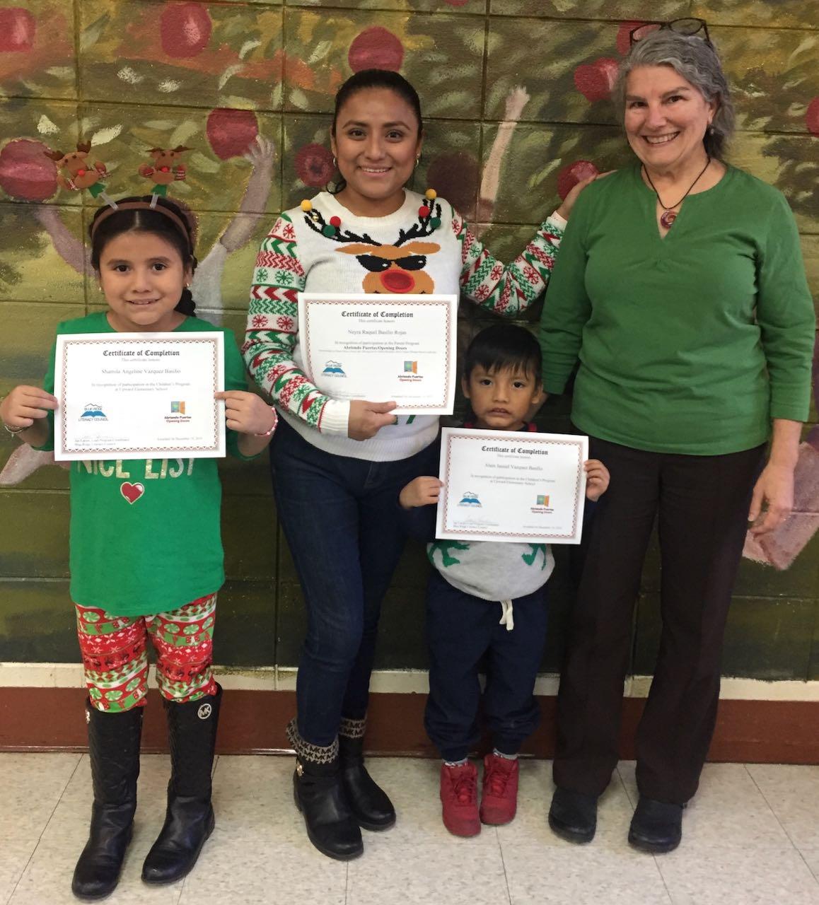 Abriendo Puertas: Programa ayuda a padres latinos con el desarrollo de sus niños pequeños