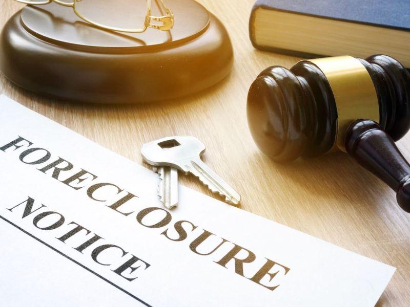 Detendrán audiencias de desalojo y ejecución hipotecaria en Carolina del Norte por un mes