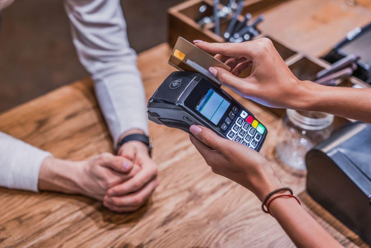 ¿Qué ciudades tienen más deudas con tarjetas de crédito?