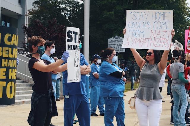 """Trabajadores de la salud piden que se mantenga orden de """"quedarse en casa"""""""