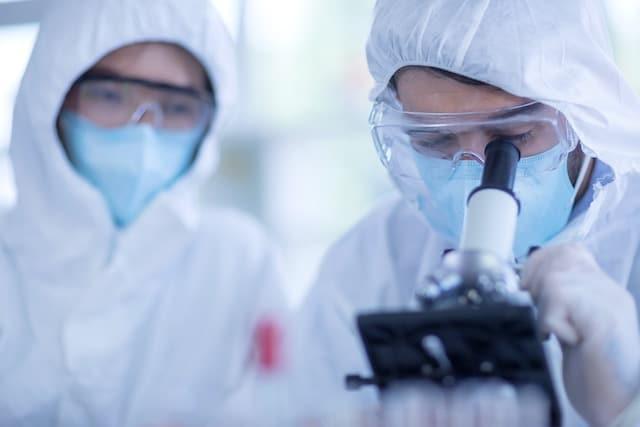 ¿El COVID-19 fue creado en un laboratorio?