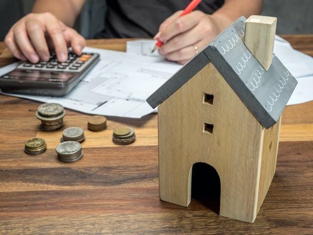 Dos de cada tres familias en Carolina del Norte tienen dificultades financieras