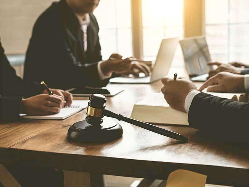 Ayuda legal para pequeñas empresas y organizaciones