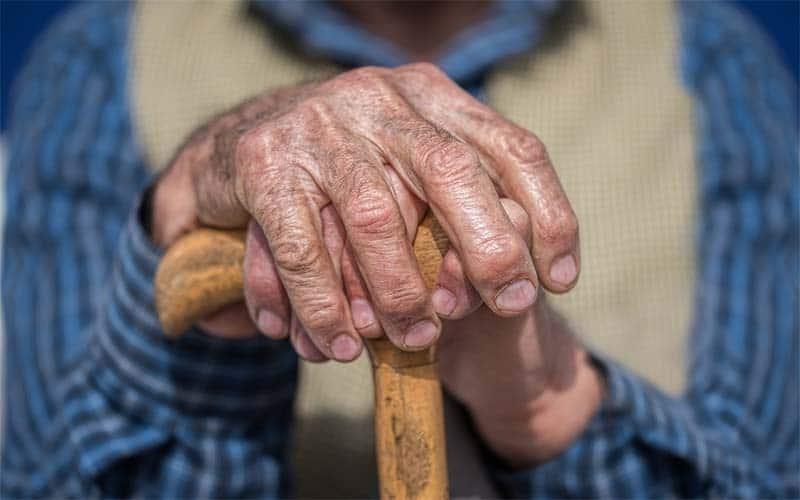 4 de cada 10 ancianos latinos es víctima de abuso