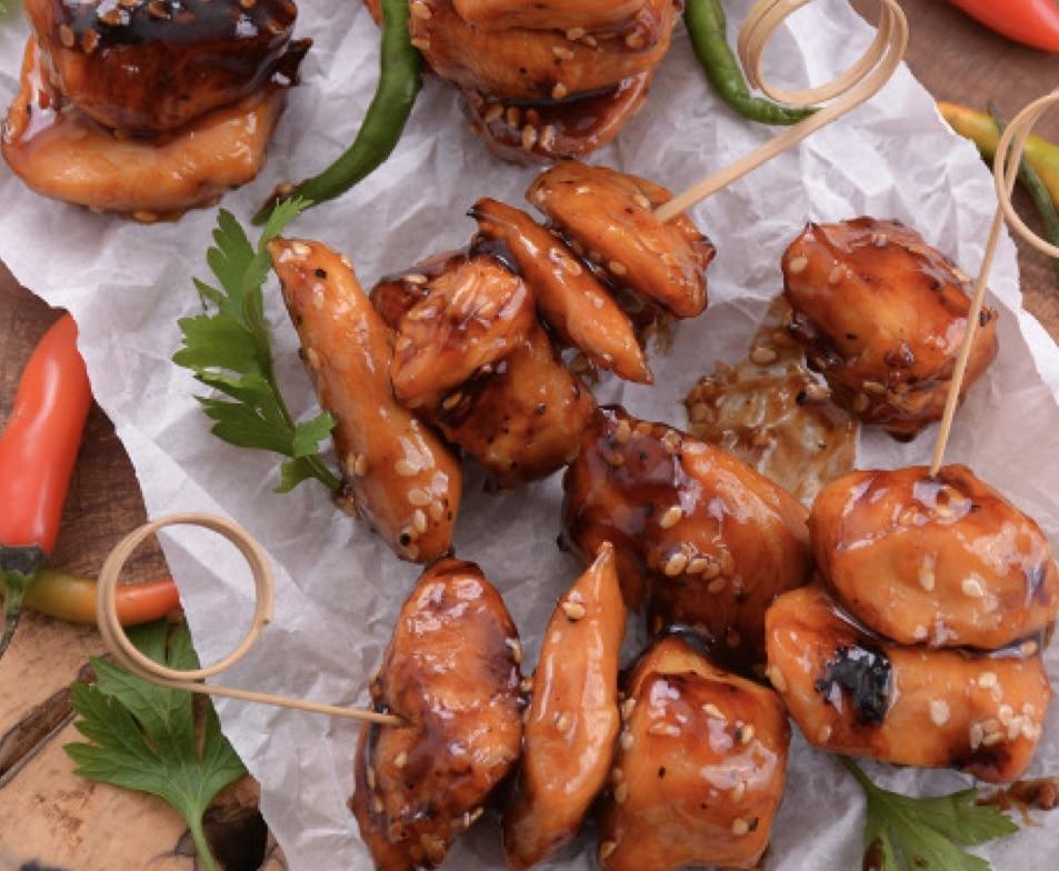 Brochetas agridulces de pollo