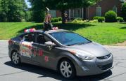 Harrisburg Elementary realiza desfile para despedir el año