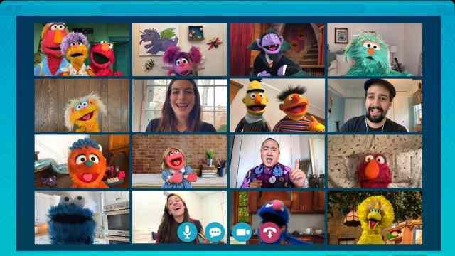 Elmo enseña a los niños