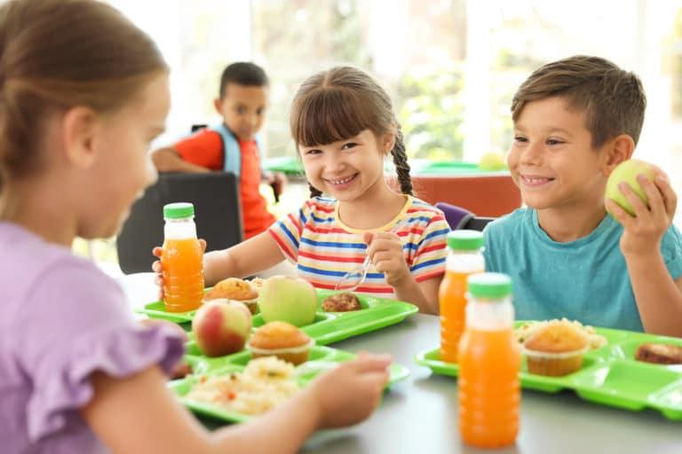 Almuerzos gratis para niños en Charlotte durante el verano