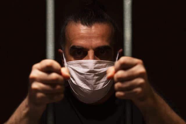 Abogados es probable que haya más personas contagiadas de COVID-19 en cárceles