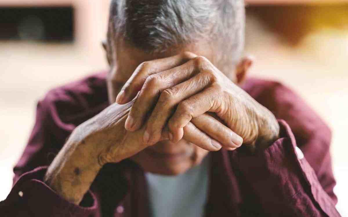 Cuánto dinero pierden los ancianos explotados financieramente