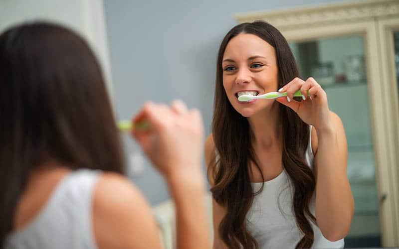 Cuidado de la salud dental en adultos