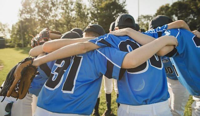 ¿Habrá programas de deportes juveniles en el otoño?