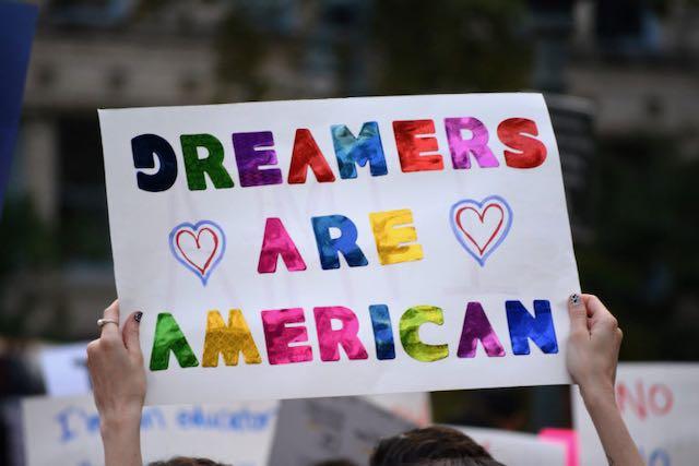Los grupos de apoyo a Latinos de Carolina del Norte reaccionan a la decisión de DACA
