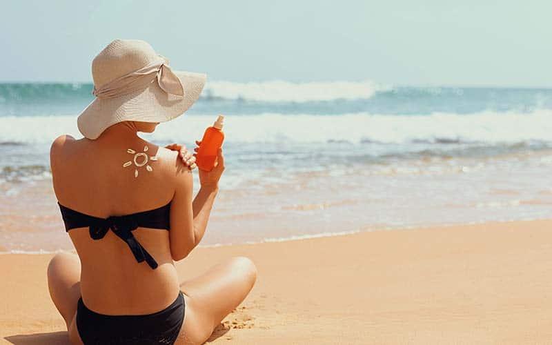 Tomar sol beneficios y riesgos para la piel