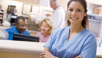 Más de 2 millones de trabajadores de la salud son latinos