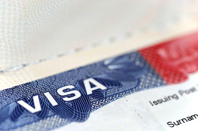 No emitirán visas para trabajadores extranjeros y estudiantes de intercambio