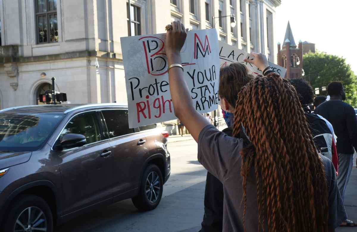 ¿Pueden las ciudades de Carolina del Norte prohibir las manifestaciones?
