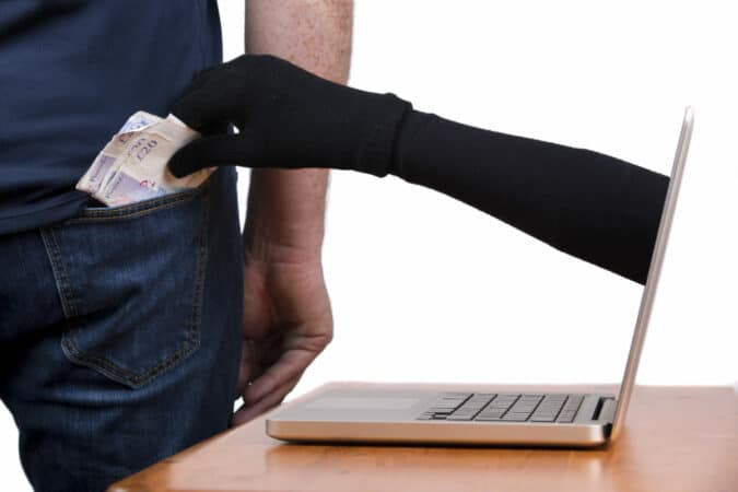 Como evitar ser estafado al vender articulos en linea