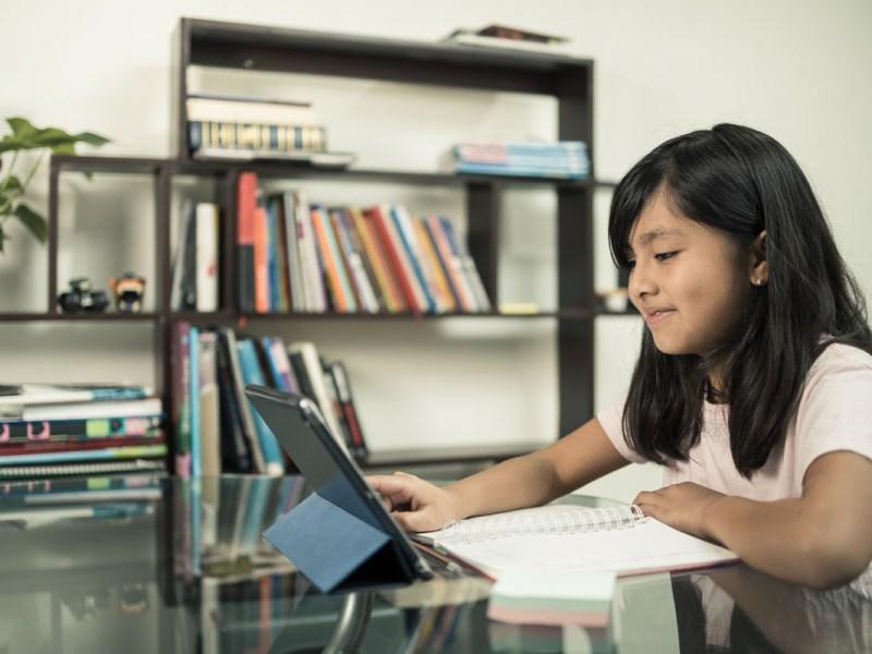 Escuelas de Chapel Hill-Carrboro y Durham iniciarán el año en línea