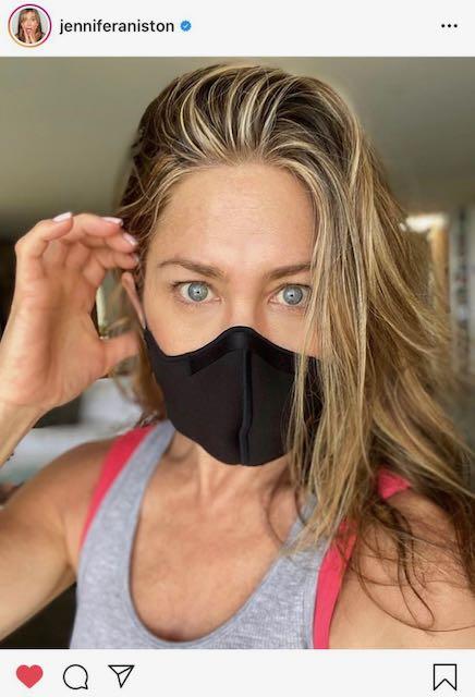 Jennifer Aniston promueve el uso de mascarillas