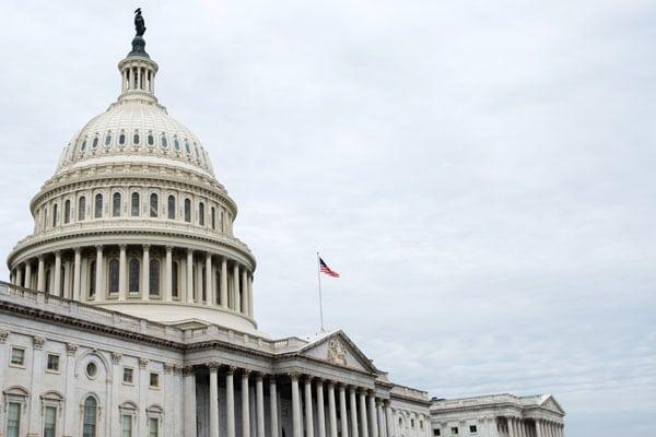Comité del Senado pide información sobre fenómenos aéreos no identificados