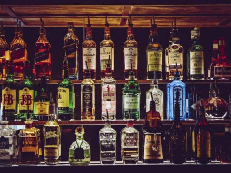 Raleigh prohibe la venta de alcohol despues de las 11:00 pm