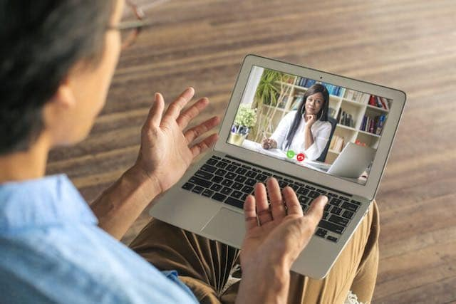 Aprende a buscar empleo en internet en taller virtual gratuito en español