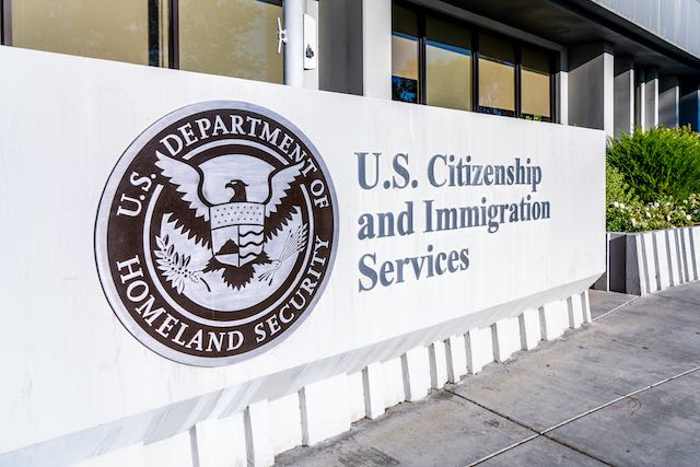 Tercera muerte de persona bajo custodia de ICE por COVID-19