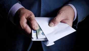 Falsificó papeles y obtuvo $400,000 en préstamos PPP