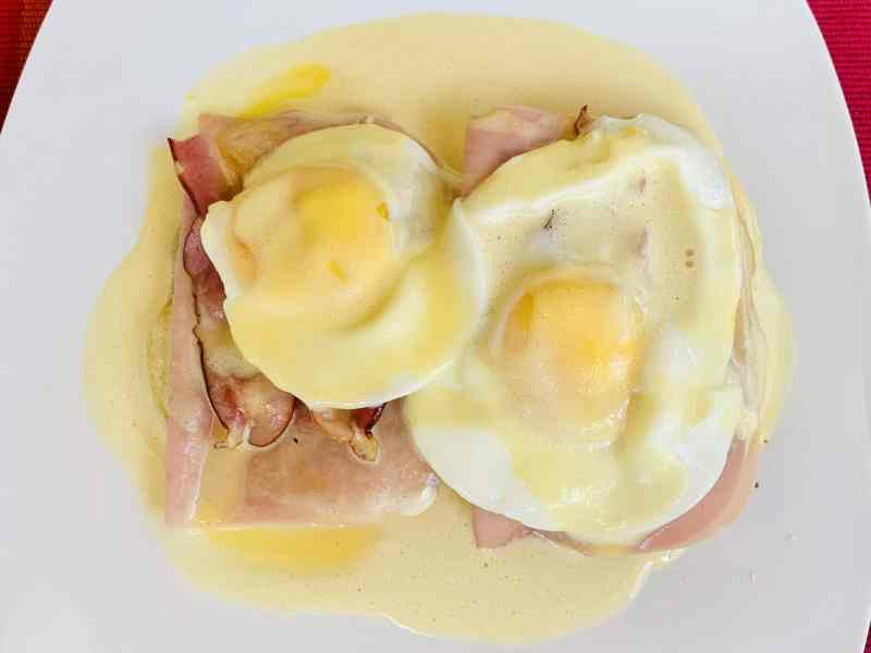 Huevos benedectinos