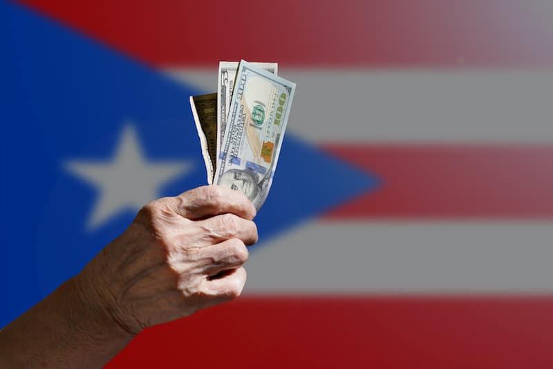 """Puerto Rico: Departamento de Educación pagó $84 millones a exempleados """"por error"""""""
