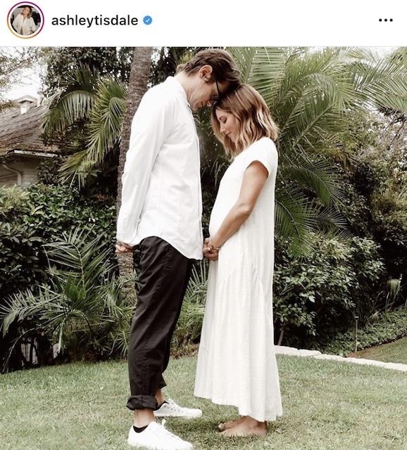 Ashley Tisdale acaba de festejar su aniversario de bodas