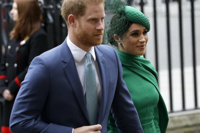 El Príncipe Harry cumple promesa y devuelve millones de dólares