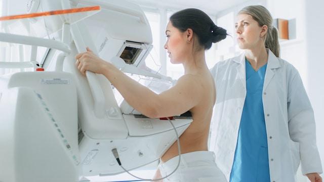 Mamografía: todo lo que debes saber antes de tu primer examen