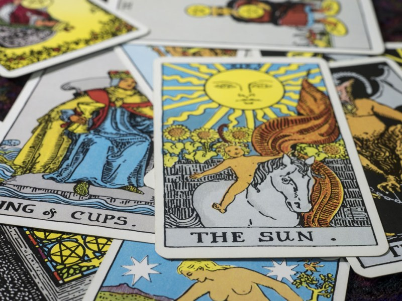 Se burlan de Donald e Ivanka Trump con cartas del tarot