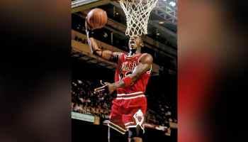 Hace 36 años Michael Jordan hizo su debut en los Chicago Bulls